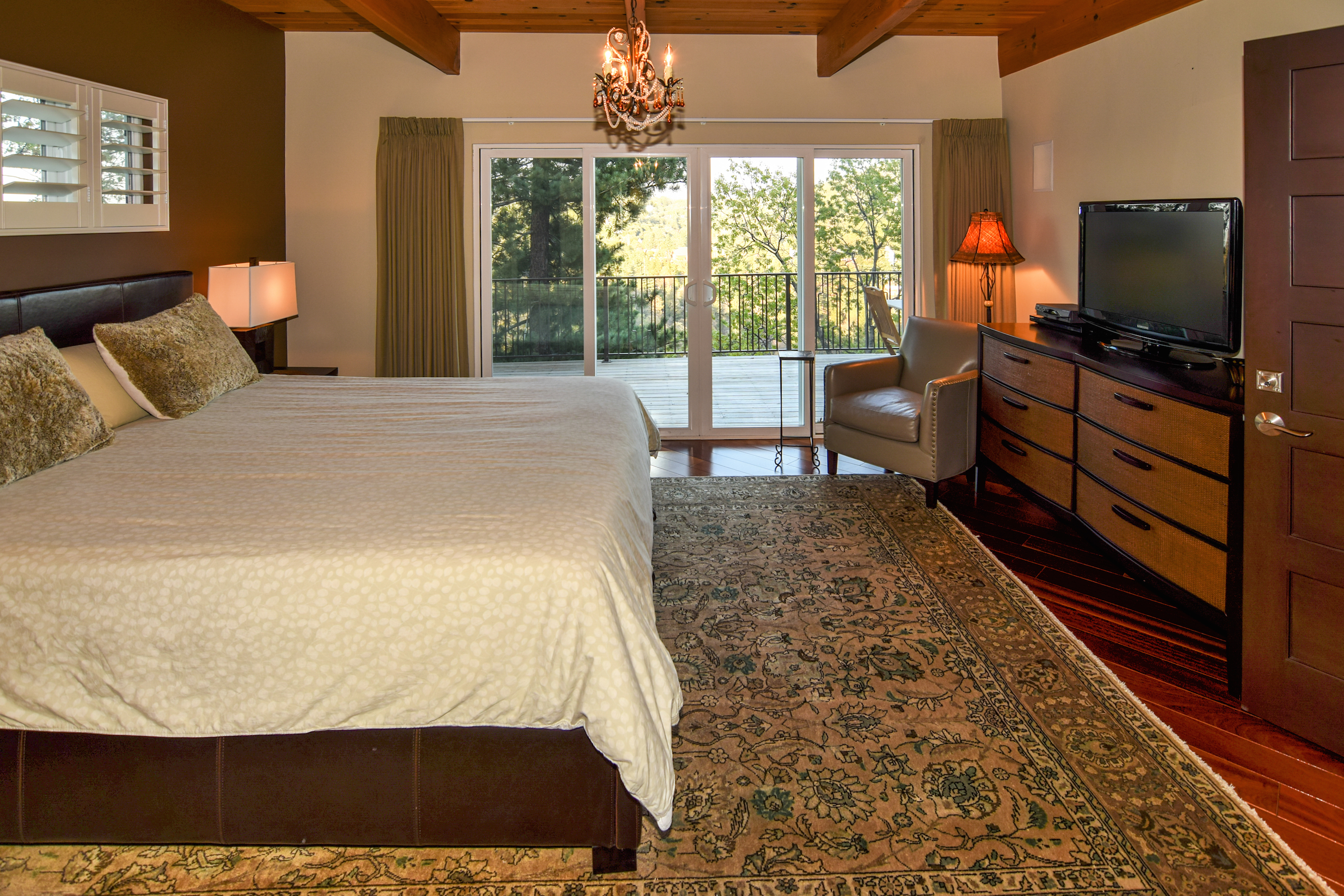 the parkinson group lake arrowhead real estate master bedroom view 2