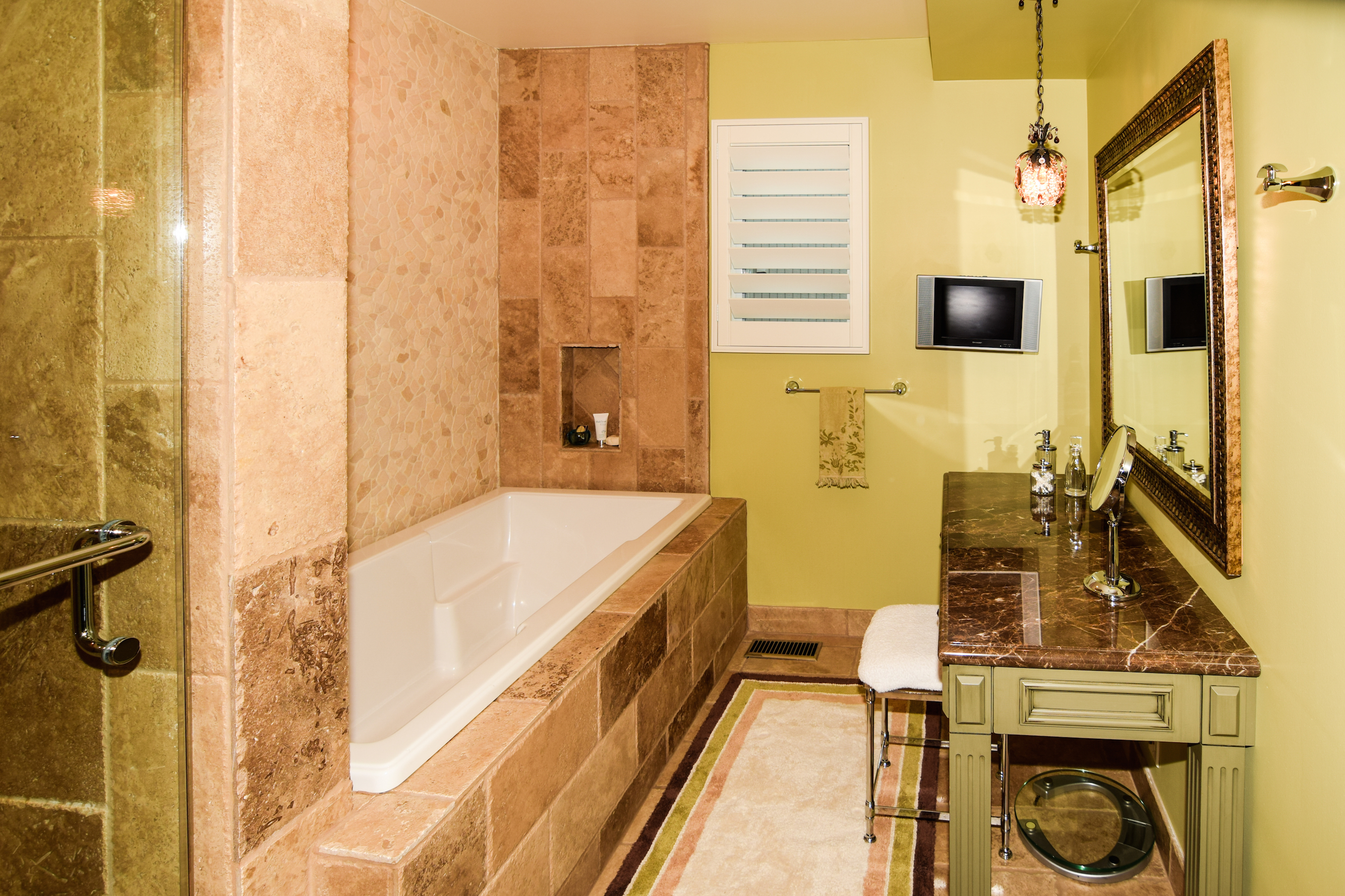 the parkinson group lake arrowhead real estate master bathroom view 1